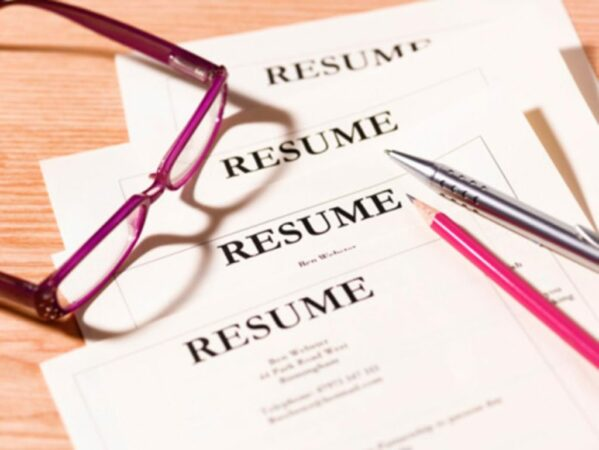 Resumé:  7 Ways to Tell a Compelling Story_In the News